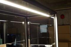 ショーケースのLED照明の写真